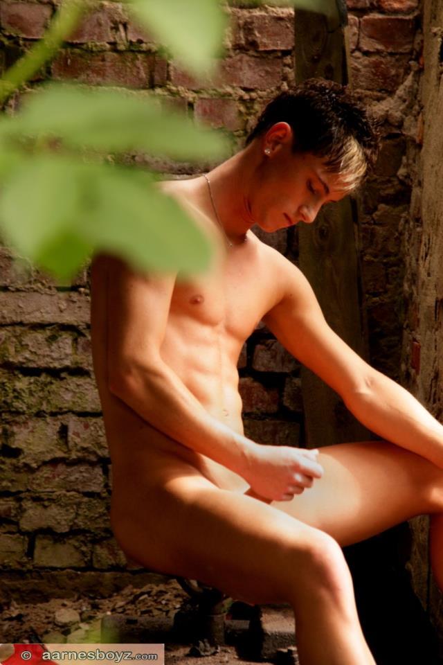 Naked boy erotica aarnes boys